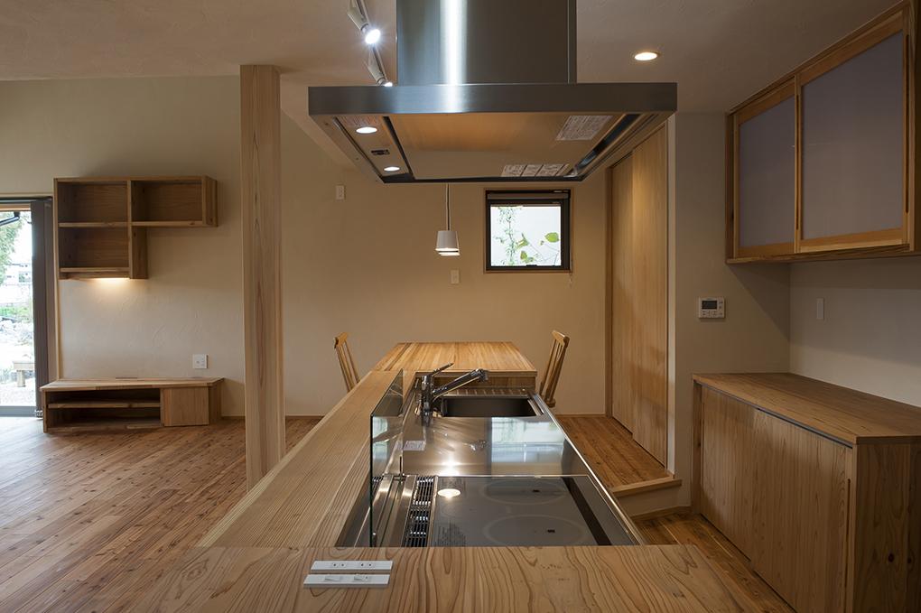 大分市の「日本ハウジング」でエントランスが繋がった二世帯住宅