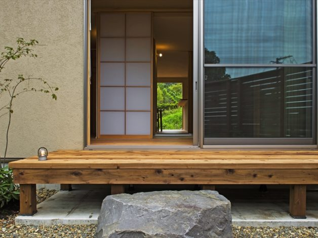注文住宅で外の自然と内を区切る縁側をデザイン