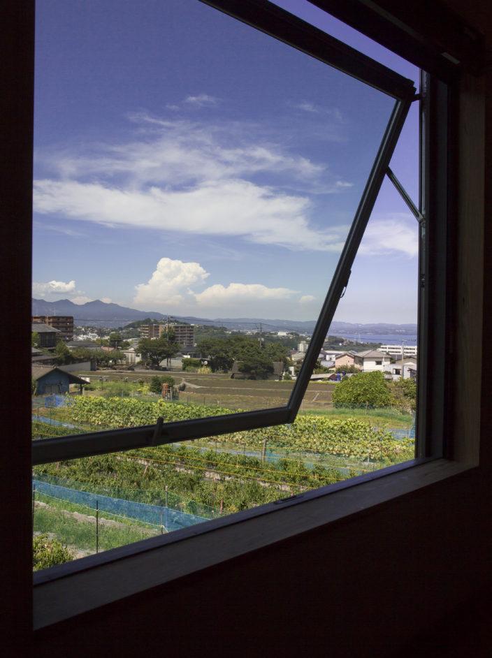窓からの景色も最高、府内町家