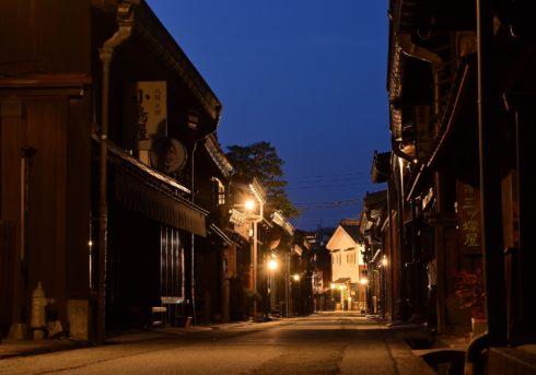 古い竹田の町並みにフィットする府内町家